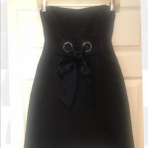 NANETTE LEPORE BLACK STRAPLESS COCKTAIL DRESS S/0